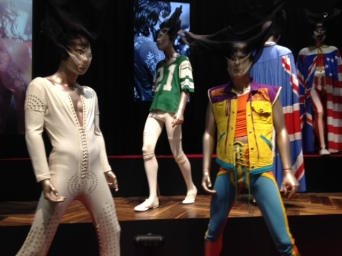 Exhibitionism outfits scarves